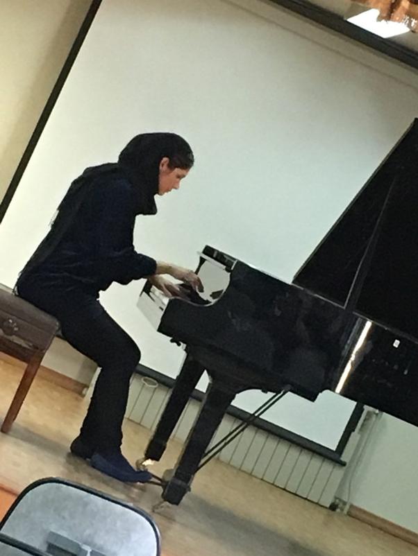 شبنم شیرودی، مدرس پیانو